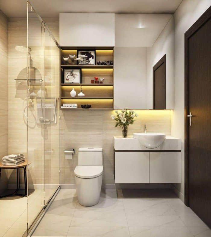 Phòng tắm nhỏ gọn.