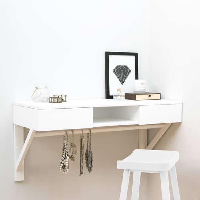 Mẫu bàn treo tường cá tính cho phòng ngủ nhỏ