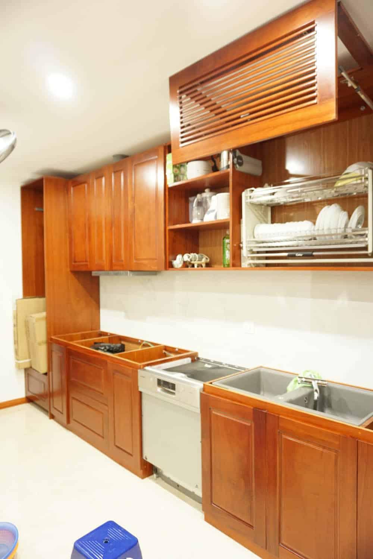 Ngăn chén bát nâng hạ thông minh cho tủ bếp