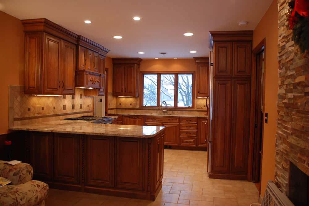 Thiết kế mẫu tủ bếp nhỏ đầy tiện nghi từ gỗ tự nhiên